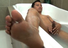 Alex Jerks In The Tub